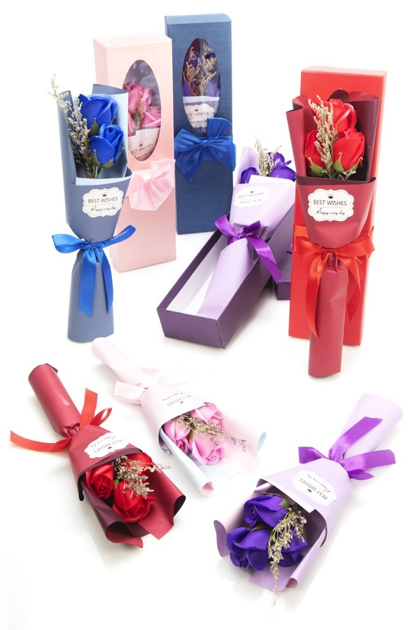 Caja regalo con flores